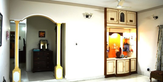 7 BHK and 8 bath Independent house 3 floors for sale 4.1 Cr (Negotiable)—J P Nagar 7th Phase